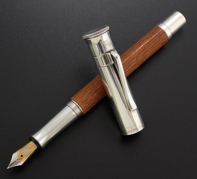 Graf-Von-Faber-Castell-Intuition0Wood-Platino-Pernambuco-Fountain-Pen-3